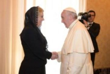 Grabar-Kitarović: Malo je vjerojatno da će Papa u Hrvatsku ove ili iduće godin