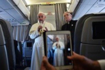 Papa u Sarajevu: Brojni poznati među više od 67 tisuća vjernika