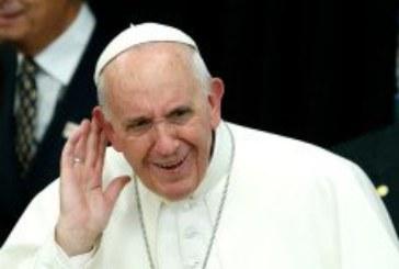 Papa Franjo u prvoj knjizi odgovara na niz pitanja, naglasak na milosrđu